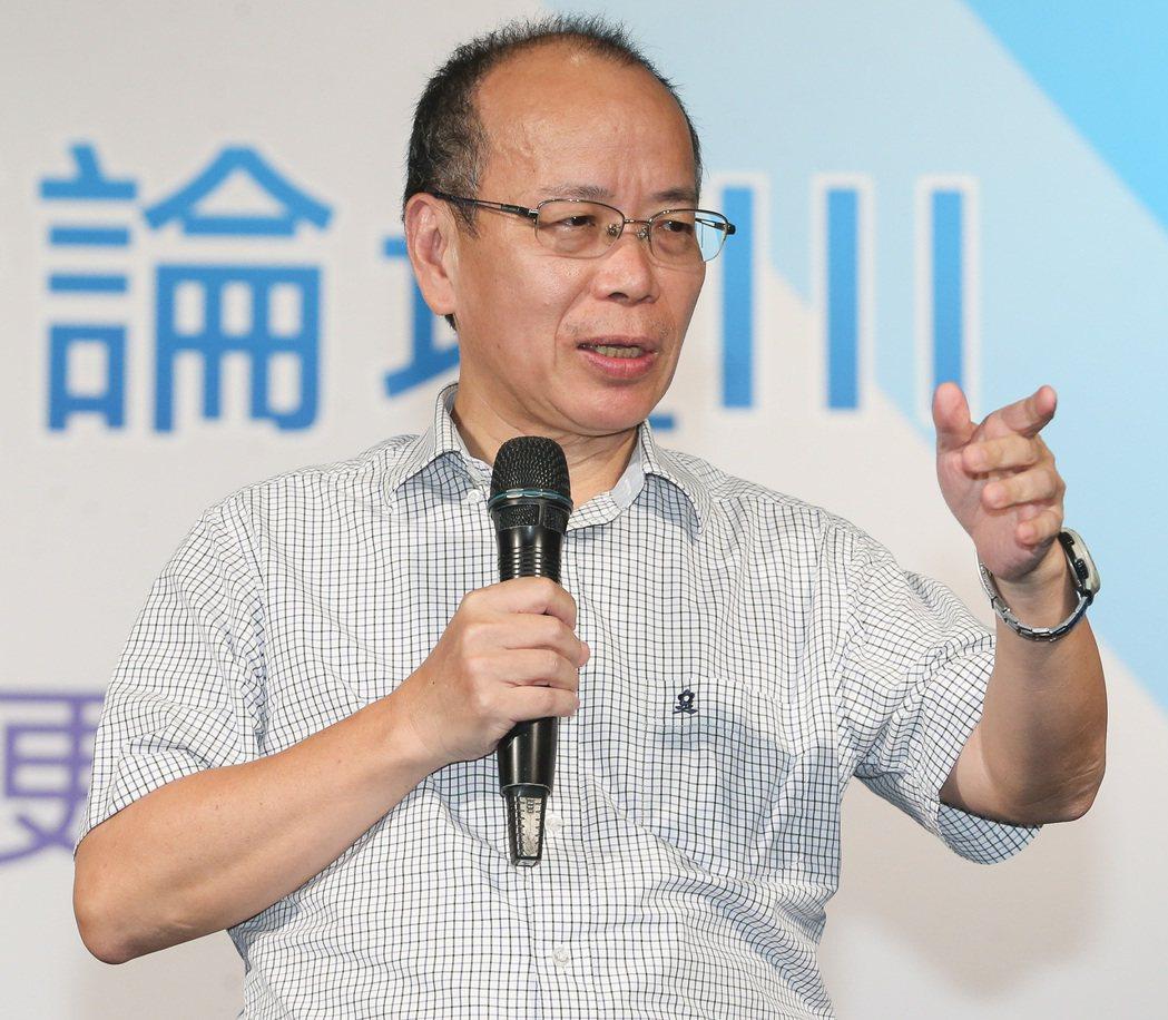 行政院政務委員張景森出席台北市都市更新論壇,在致詞時表示會將地方政府提出的建議帶...
