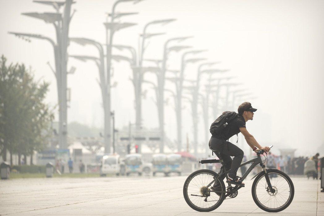 北京霧霾治理仍面臨著諸多問題。(美聯社)