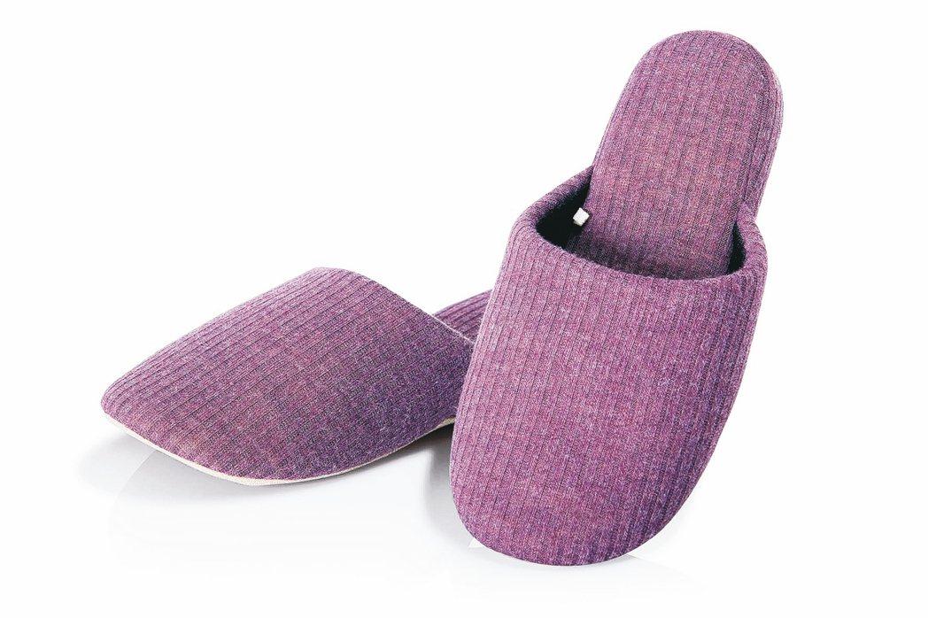 凱拉羅紋針織拖鞋系列,售價399元。 HOLA/提供