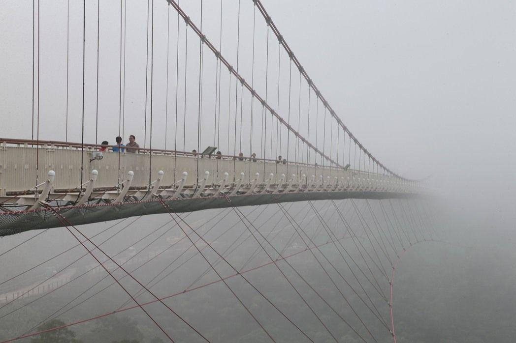 太平雲梯名稱來自雲霧飄渺的意象。 記者謝恩得/攝影