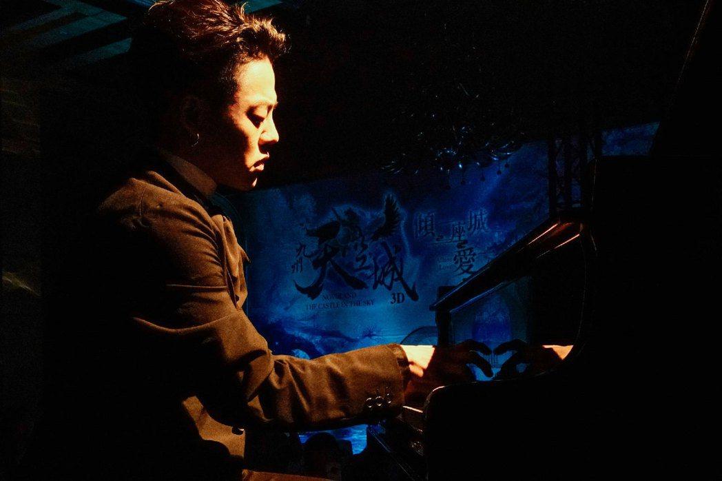 鋼琴暖男T.L.江天霖