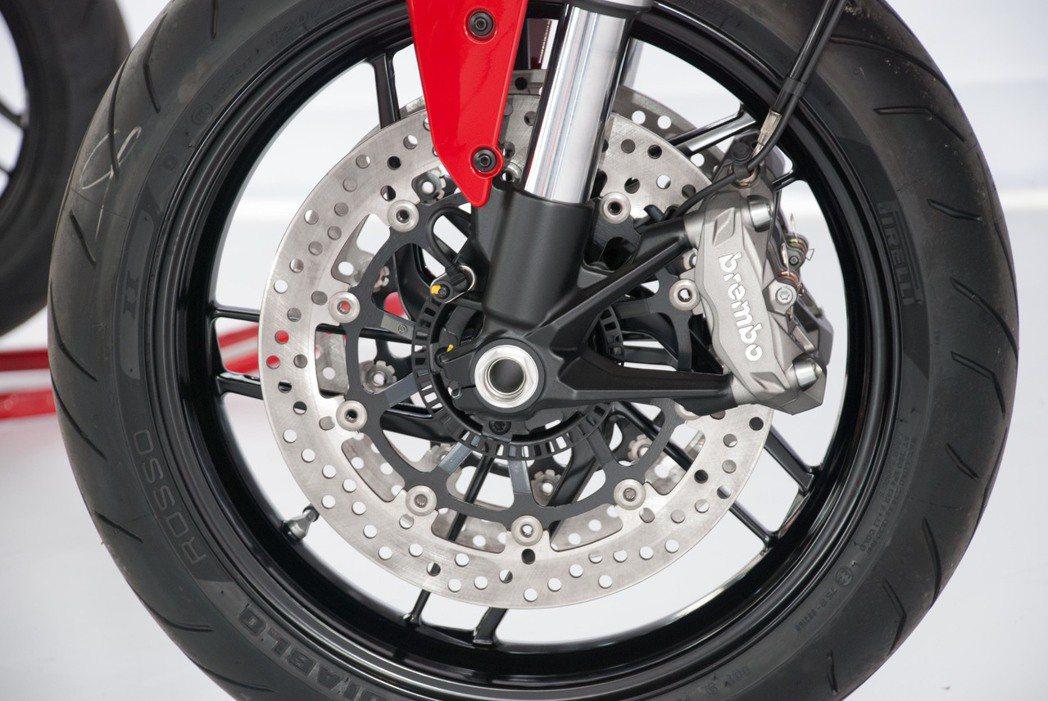 Ducati Monster 797煞車系統。記者林昱丞/攝影