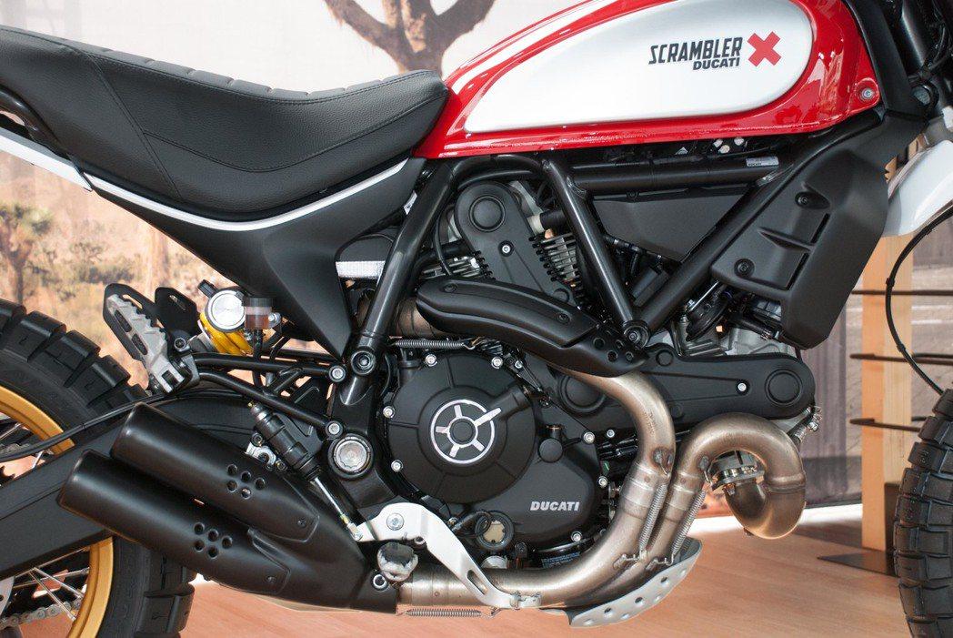 Ducati Scrambler Desert Sled採用排氣量803c.c.的L-Twin引擎。記者林昱丞/攝影