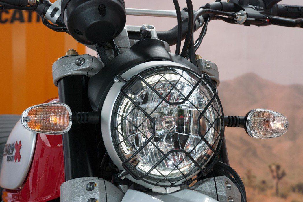 Ducati Scrambler Desert Sled大燈。記者林昱丞/攝影