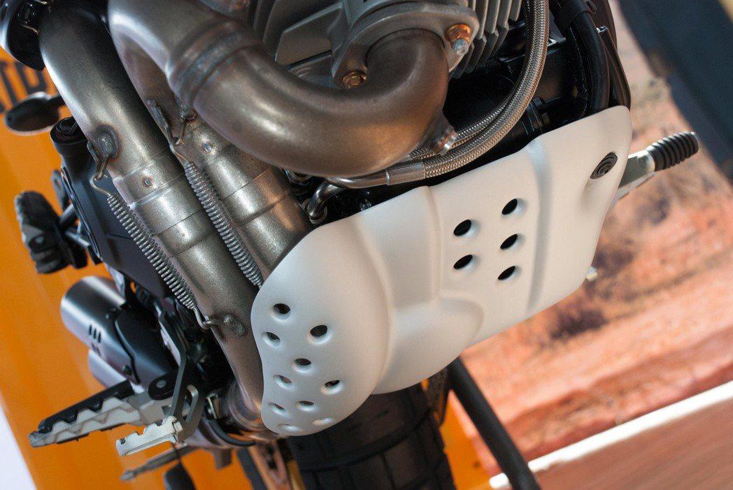 Ducati Scrambler Desert Sled引擎下護板。記者林昱丞/...