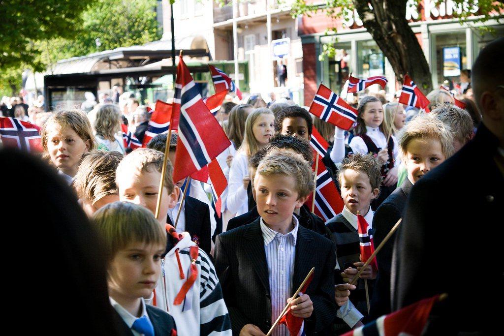 超過30%在小學使用新挪威語的挪威孩童,到了中學後轉而選擇巴克摩語。 圖/fli...