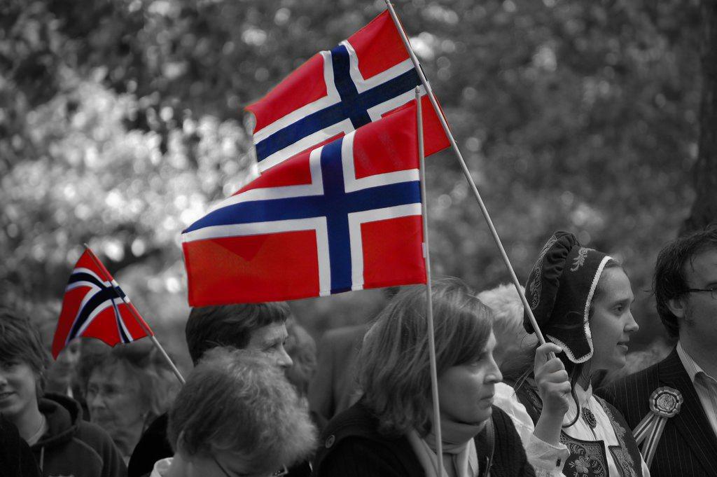 長久以來被包裹在愛國主義、本土主義裡頭的新挪威文復振,已經明顯走進了死胡同,在政...
