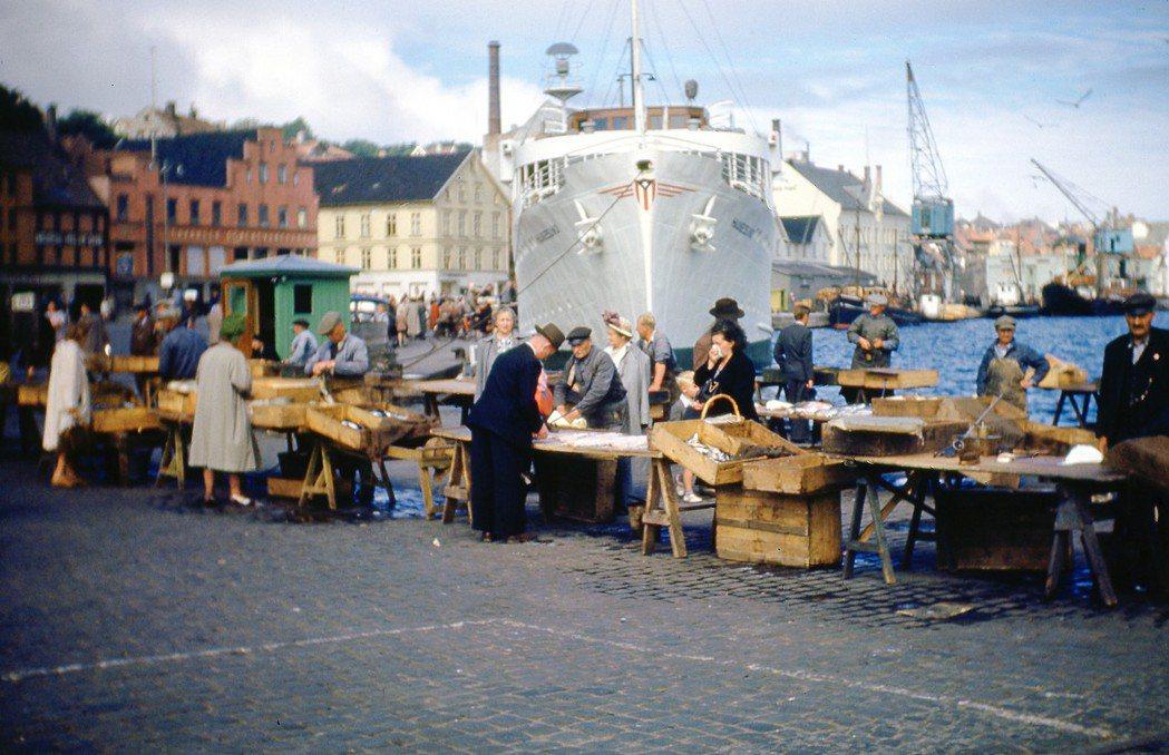 核心區域作為新挪威語的「基本盤」,即便二戰後面臨經濟發展與都市化,這些人仍然沒有...