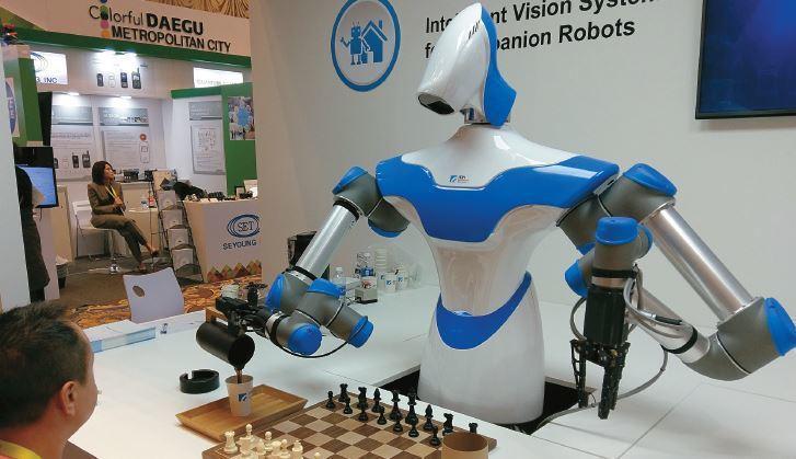 在生活中,有各種不同應用AI的智慧機器人,不只能夠理解人類的表達、還可與人互動,...