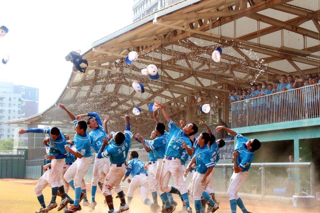 第四屆立德盃全國青少棒錦標賽,由高雄市忠孝國中封王。記者徐如宜/攝影