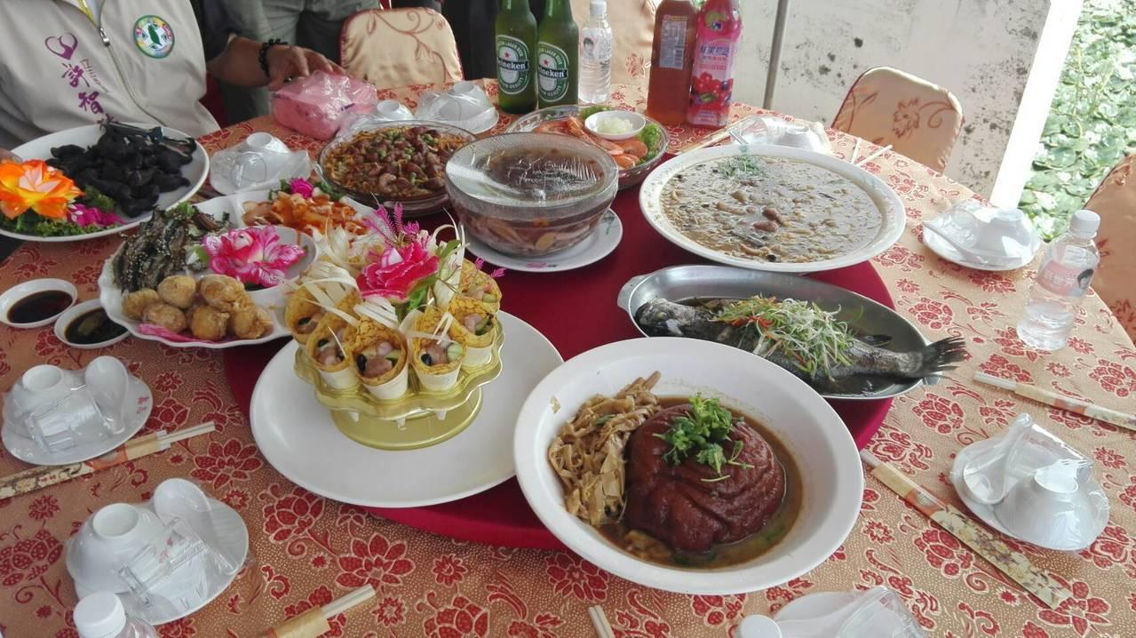 仁武地區秋之紅菱饗宴活動,是每年菱角產業交成績單的時刻。記者王昭月/攝影