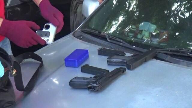 警方在楊男車上查到改造槍枝。記者劉星君/翻攝