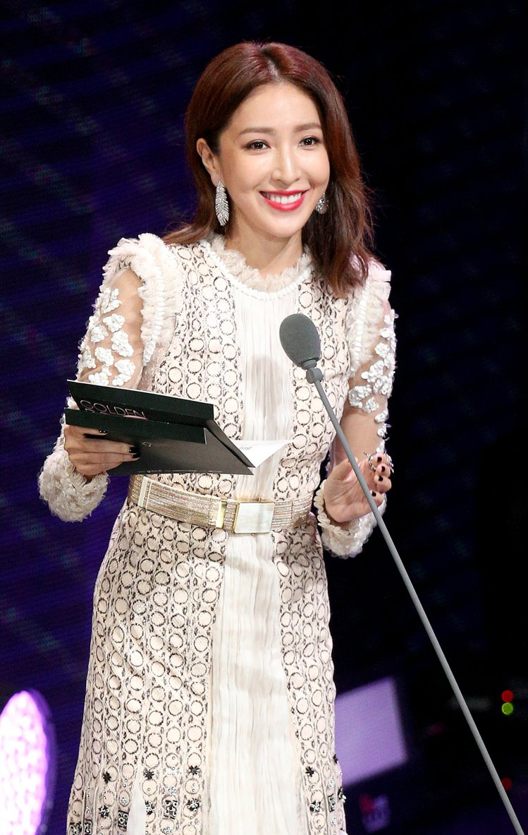 第52屆金鐘獎頒獎典禮在國父紀念館舉行,楊謹華頒獎。圖/記者林伯東攝影