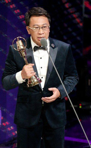 第52屆金鐘獎頒獎典禮在國父紀念館舉行,游安順獲戲劇節目男配角獎。