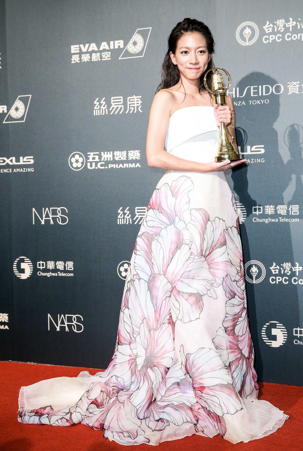 第52屆金鐘獎,陳妤以「戀愛沙塵暴」獲戲劇節目新進演員獎。記者鄭清元/攝影