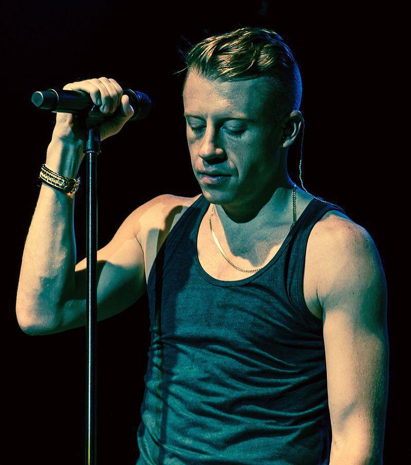 美國饒舌歌手麥可莫。圖/維基百科