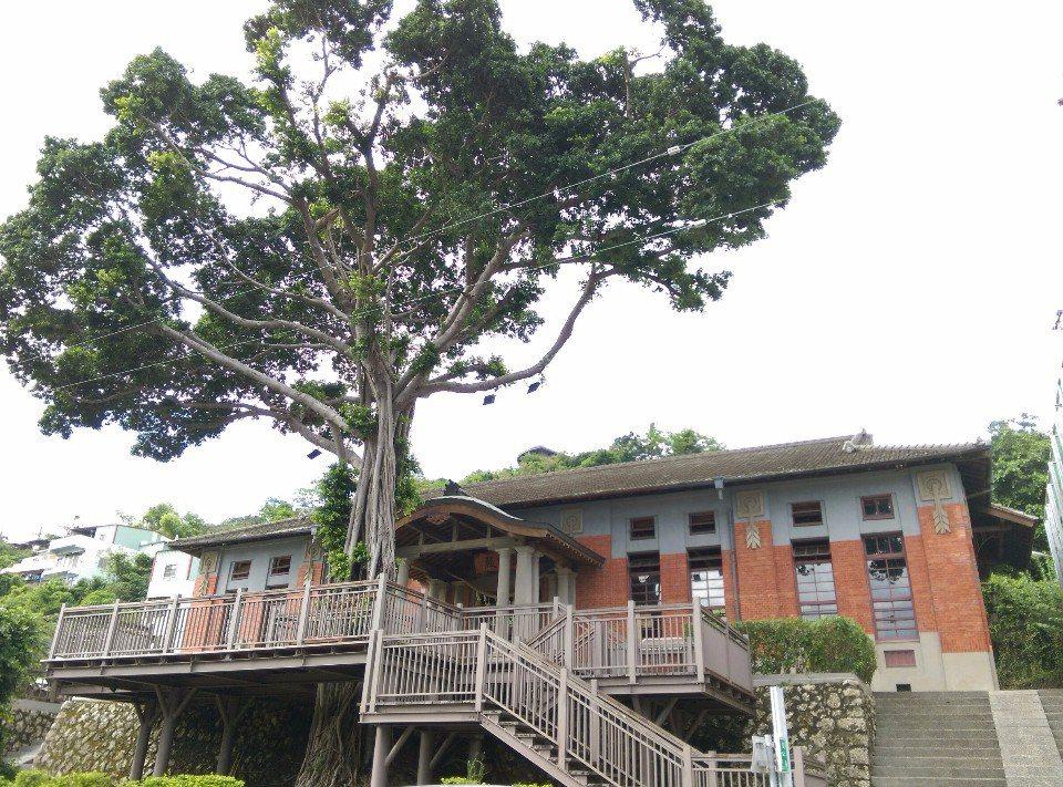 台灣現有最老的州廳級武德殿。(提供/哈瑪星走讀小組)