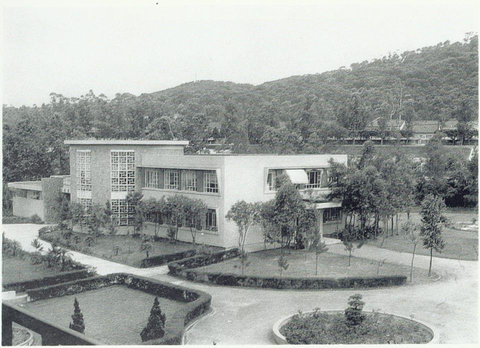 交大1958年成立交通大學電子研究所,圖為1960年圖書的照片。 圖/交大提供