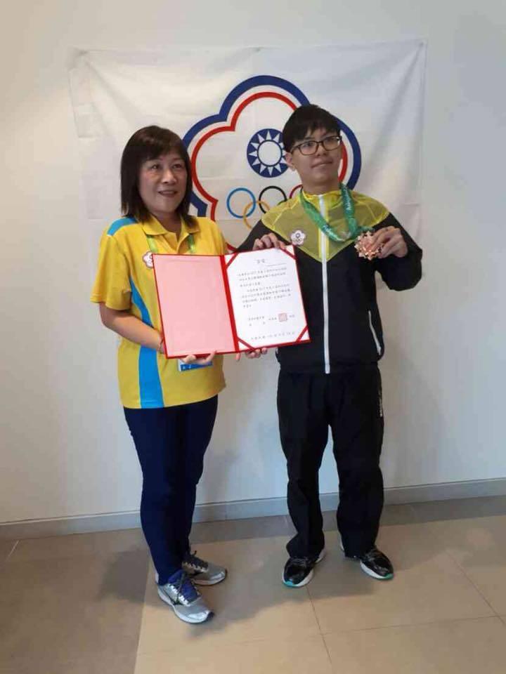 陳永和(山下智久)《爐石戰記》銅牌。 翻攝CTESA中華民國電子競技運動協會。