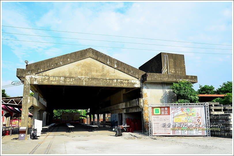 ↑糖廠裡還有一座洋灰軌枕工場,台糖小火車鐵路要用的軌枕,後期改用水泥(洋灰)製造...