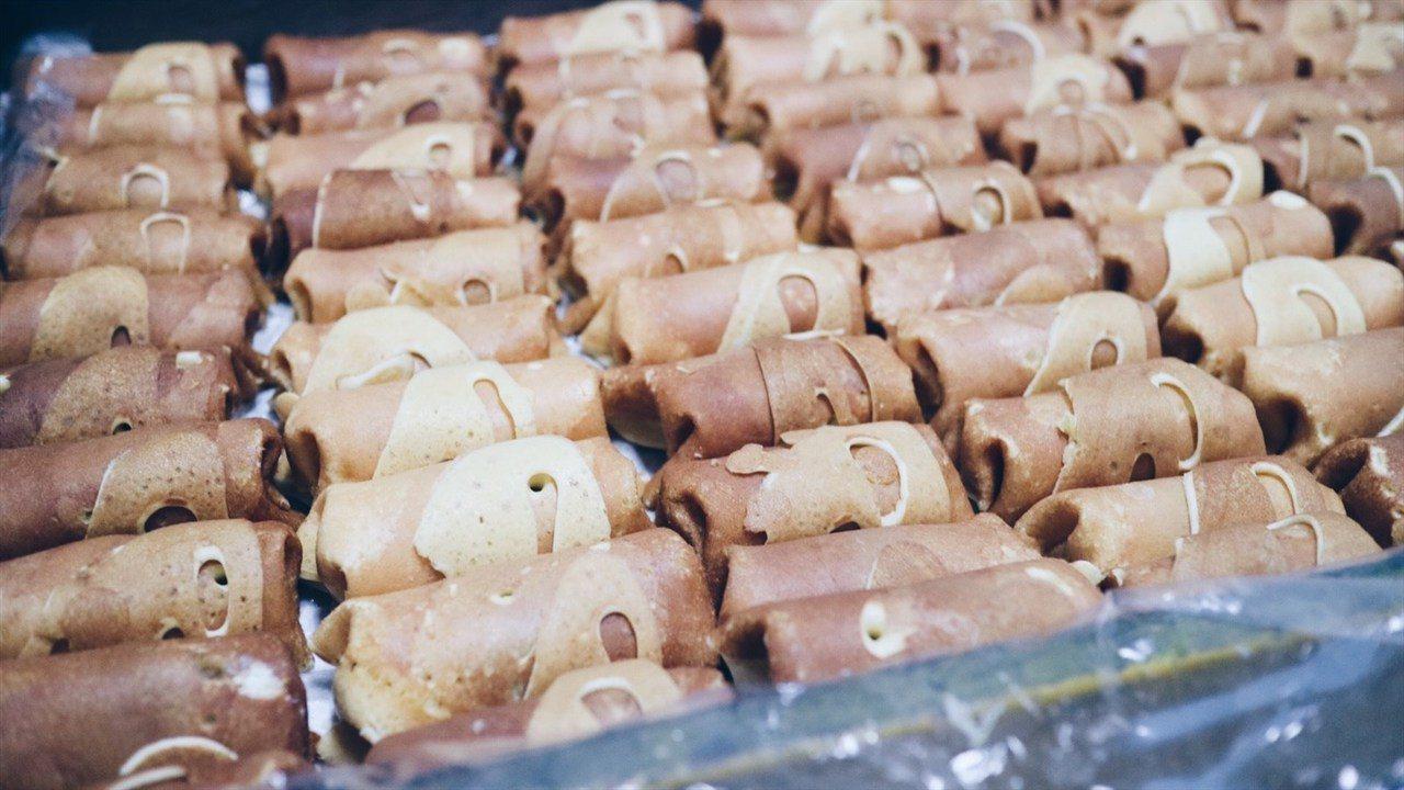 ◭ 五十年前,口味完全複製日本師傅的味道,當時的甜度比較甜,隨著大家的口味改變,...