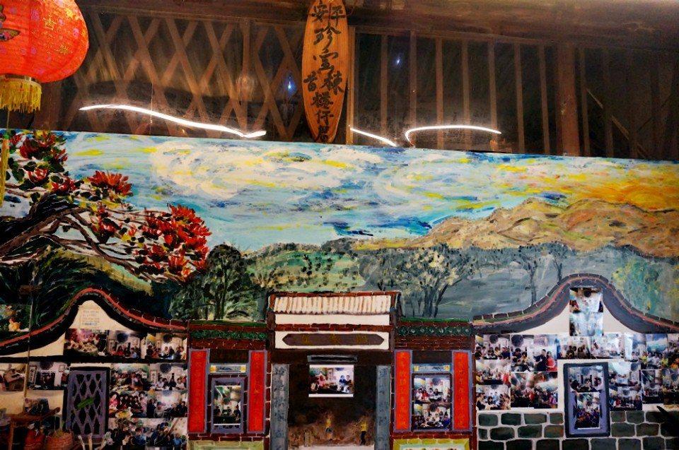 由蔡玲玲親手繪製的店內一景。(攝影/林郁姍)