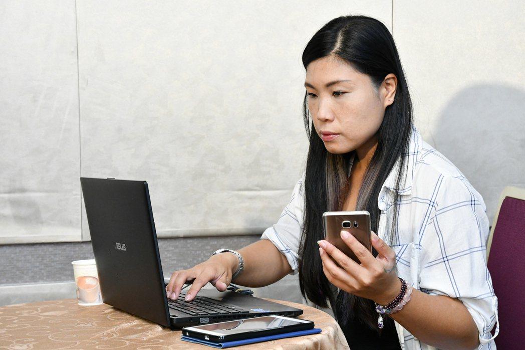 2017年全台護眼趨勢調查指出,民眾多螢幕使用率62%,民眾最常同時用電腦與手機...