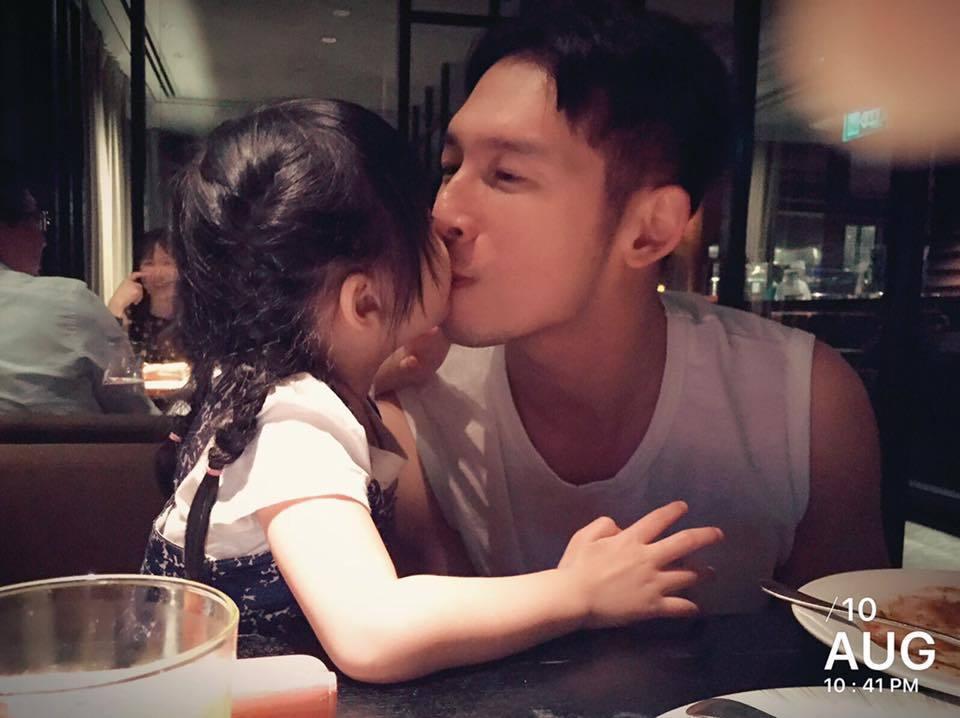 溫昇豪奪走女兒「小晴天」的初吻。圖/摘自溫昇豪臉書