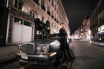 周湯豪9月28日接受「ELLE」雜誌邀請赴法國參加巴黎時裝周(Paris Fashion Week),5天內參觀了多場時尚大秀,並和3位全球知名的設計師交流,其中包括「台灣之光」吳季剛、英國「龐克教...