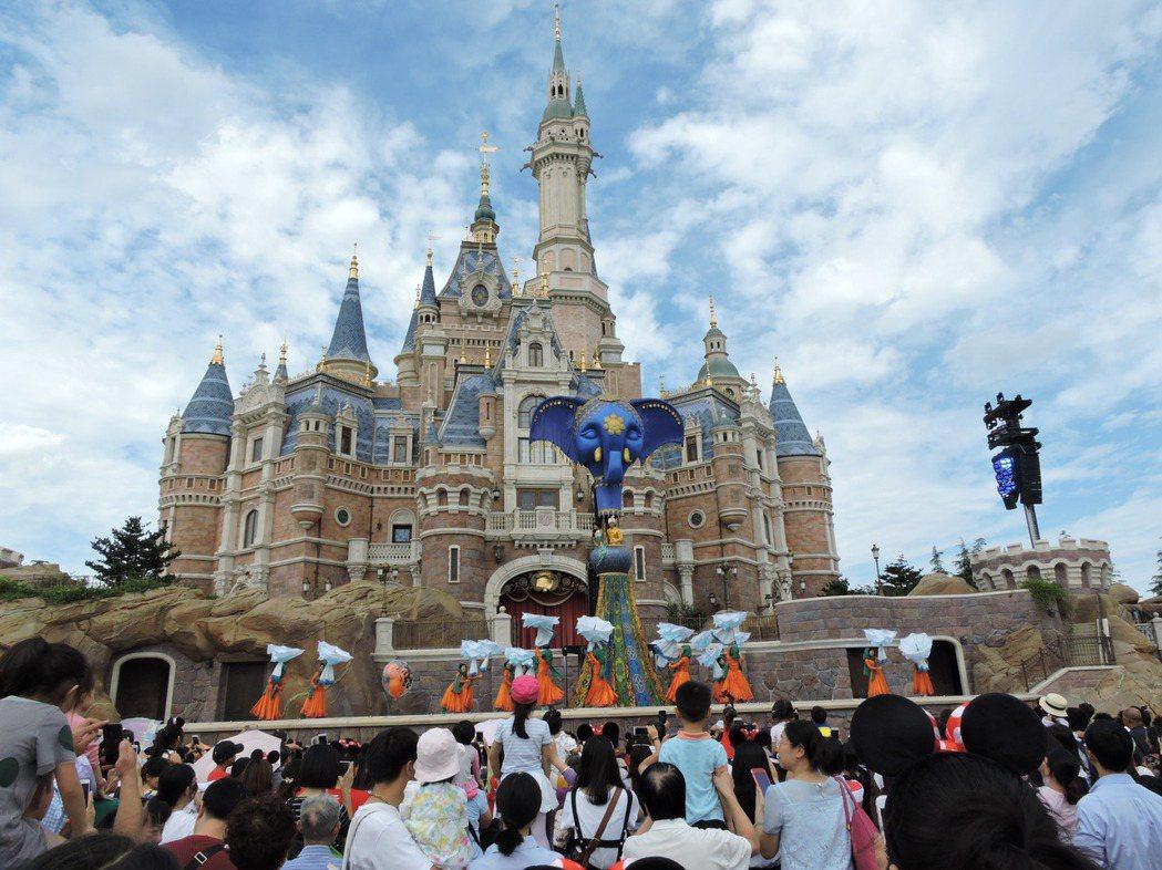 上海迪士尼迎接十一黃金周,預估入園遊客將破10萬人次。 記者戴瑞芬/攝影