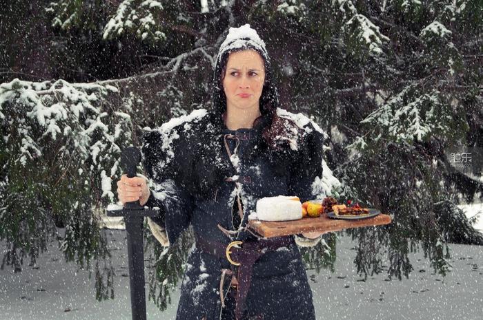 Chelsea Monroe-Cassel與她的《冰與火之歌》美食。