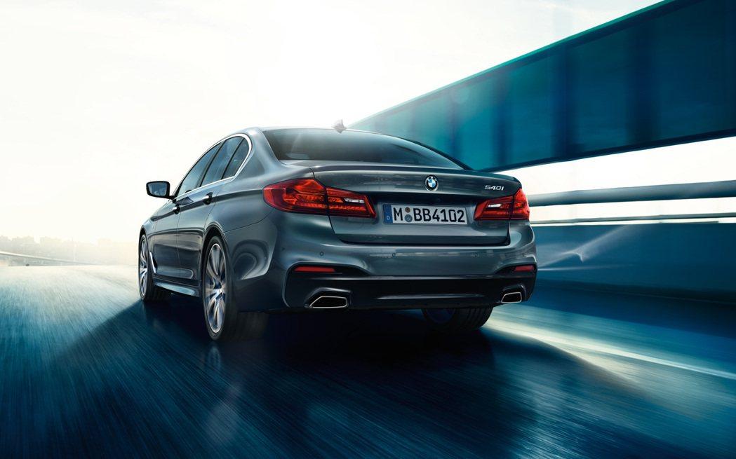 自2009年來,汽油車銷量首次超前了柴油車。 摘自BMW