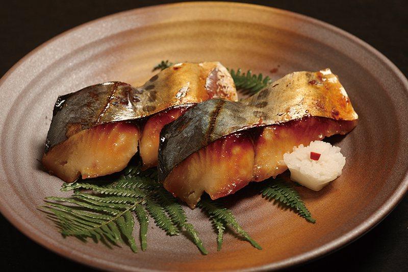 土魠魚西京漬200元/片/傳統京都西京味噌醃製而成,帶點甜味不致於太鹹,魚肉鮮嫩...