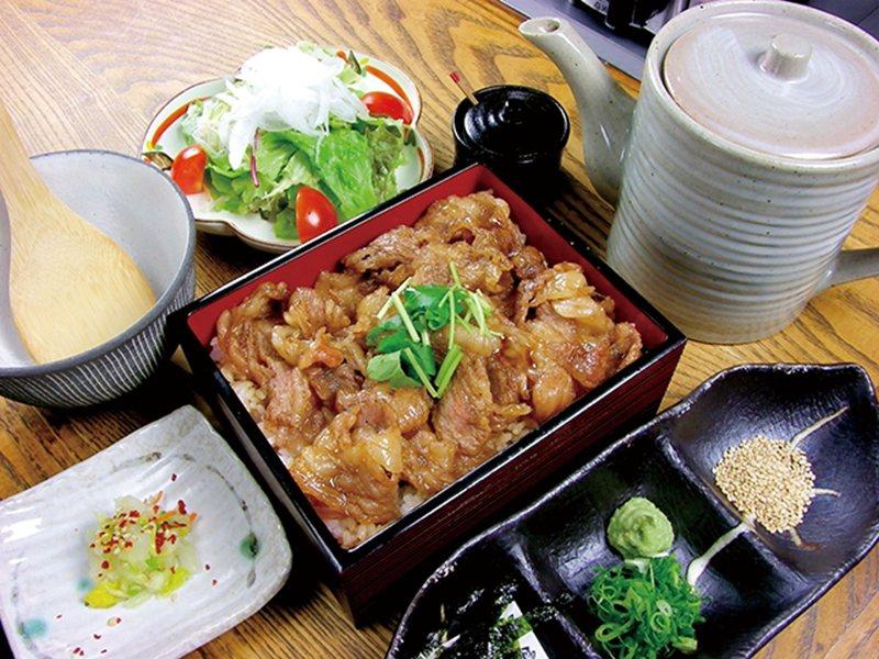 神戸牛ひつまぶし ( 神戶牛特製蓋飯 )¥1800/神戶牛燒肉專賣店推出的午間套...