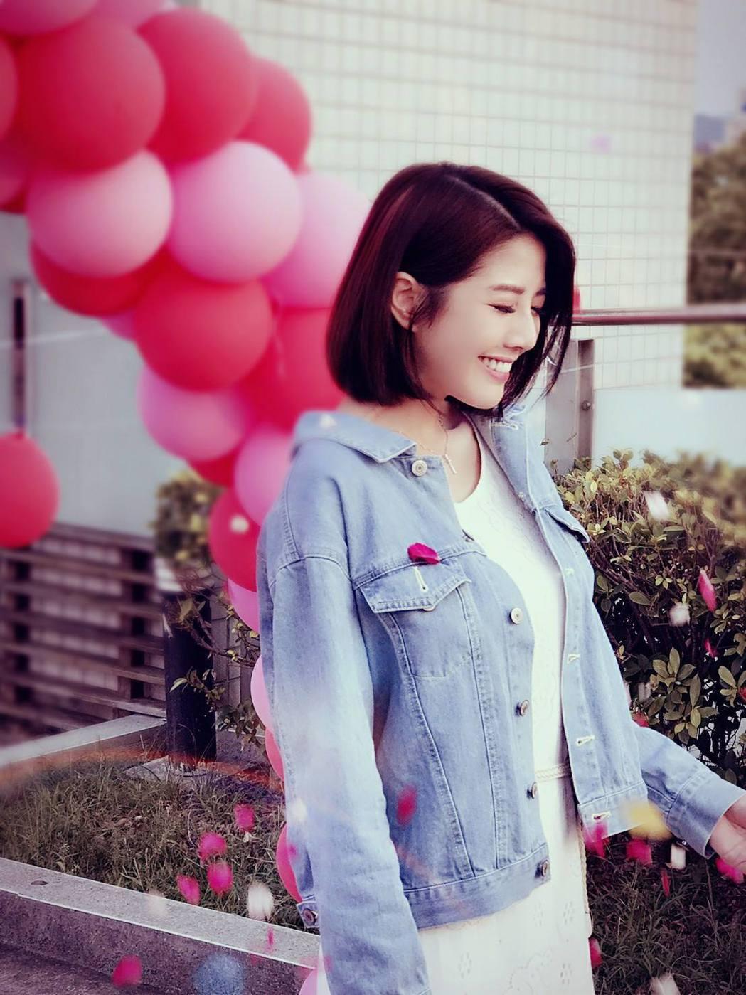 韓瑜PO出自己笑得燦爛的照片。圖/摘自臉書