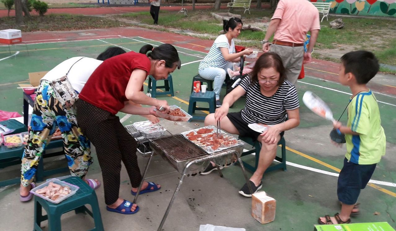 義大大昌醫院胃腸肝膽科主任李志文表示,吃燒烤的頻率不宜過高。記者王昭月/攝影