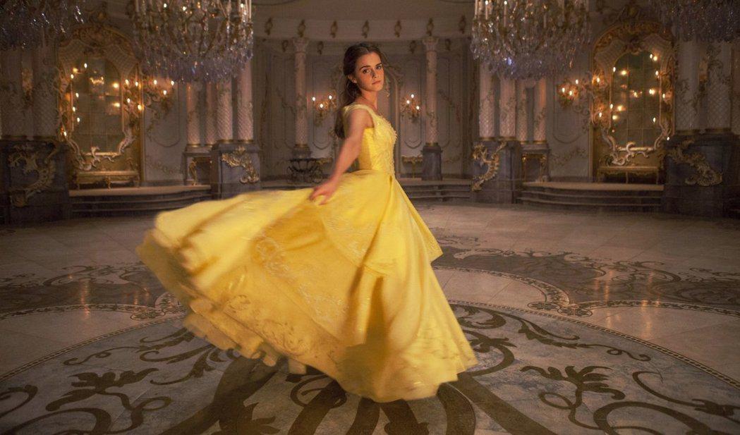 艾瑪華森因「美女與野獸」大狂賣,收入逼近兩千萬美元。圖/摘自imdb