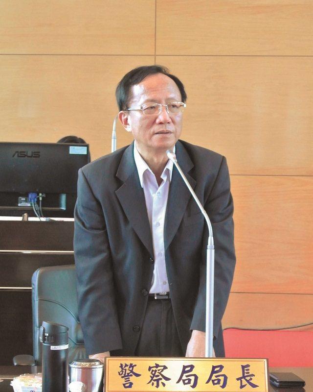 陳嘉昌發表「告別演說」,心情充分表現在臉上。 攝影/項中