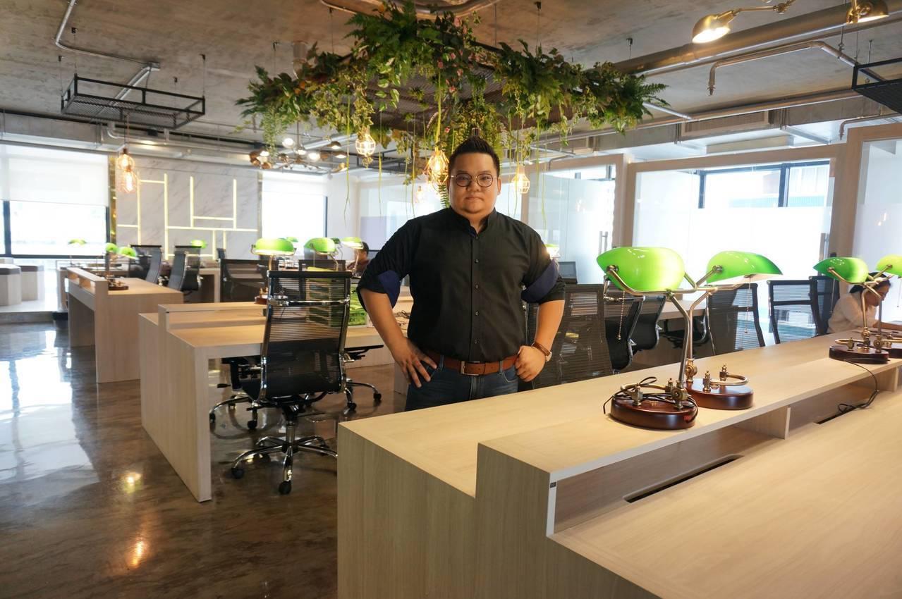有感於國外創業「人脈」的重要,七年級室內設計師林皇邑與友人共同在泰國創立「d-C...