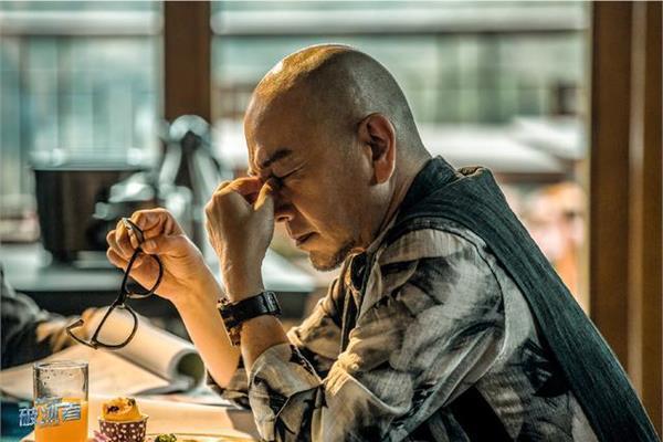 張晨光在新戲「真愛的謊言之破冰者」光頭演大毒梟。  圖/翻攝網路