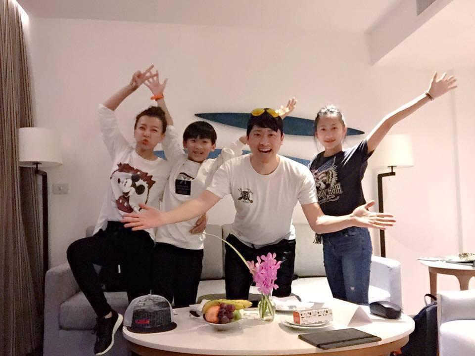 侯昌明帶一家四口到大阪旅遊。圖/摘自侯昌明臉書