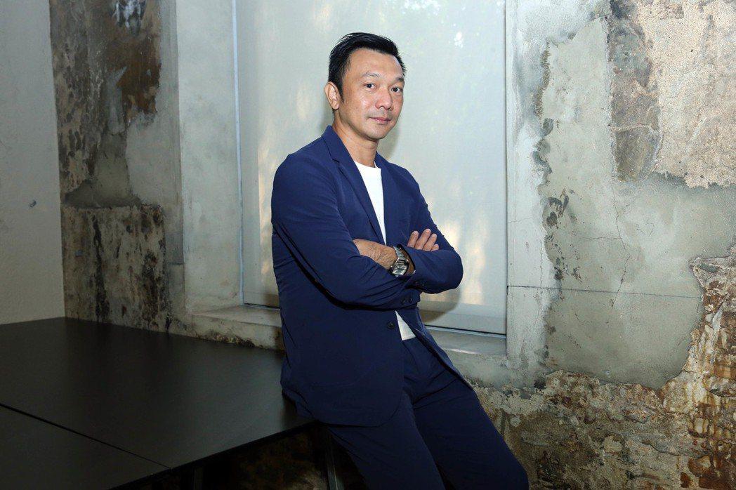 「大佛普拉斯」導演黃信堯。圖/甲上提供