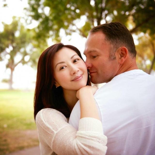 楊寶玲第三段婚姻是與英籍初戀男友結合。圖/摘自微博