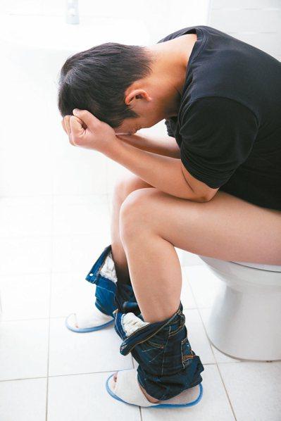 對於心腦血管患者來說,廁所真是一個非常危險的地方,特別是對於有便秘的病友。