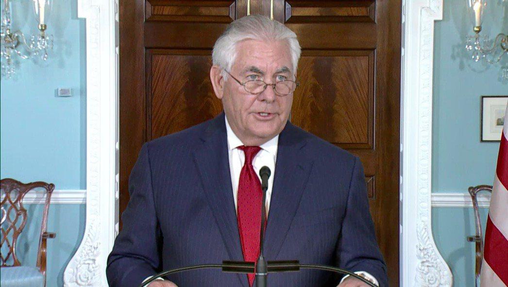 美國國務卿提勒森4日舉行記者會澄清關於他想離任的報導,表示自己從未考慮離職。 圖...