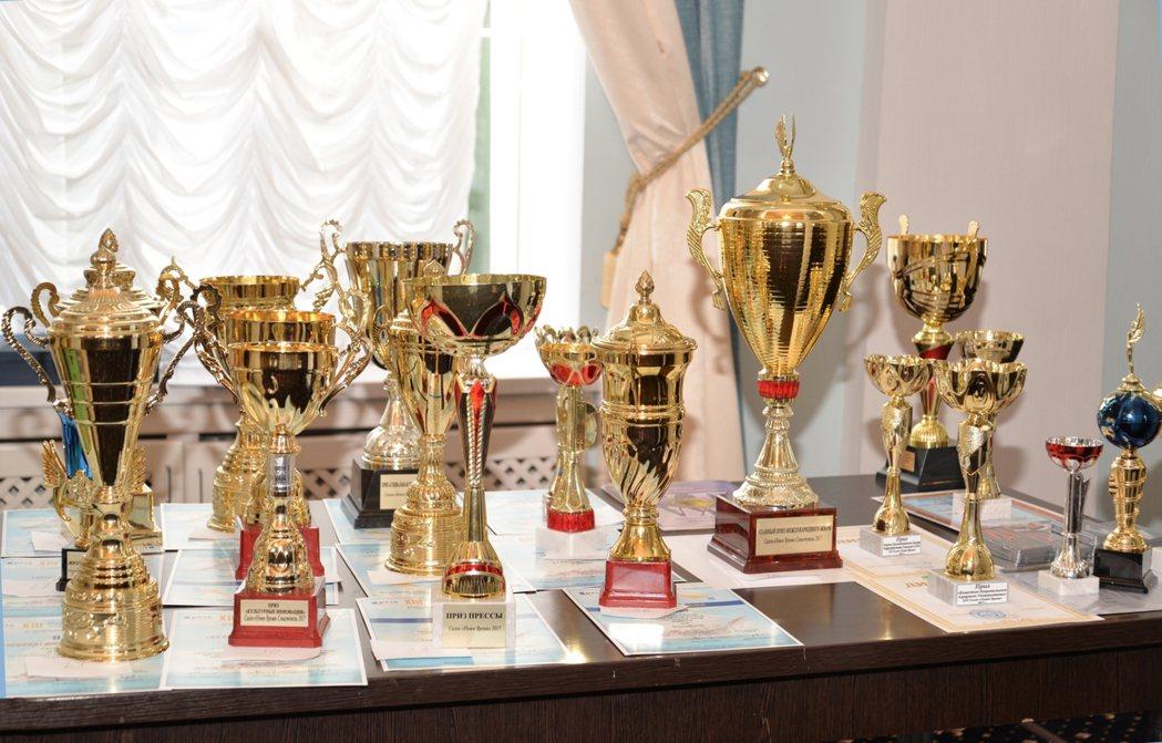 睡眠撲滿獲頒烏克蘭發明展金牌獎及最佳品牌獎雙獎項。 睡眠撲滿/提供
