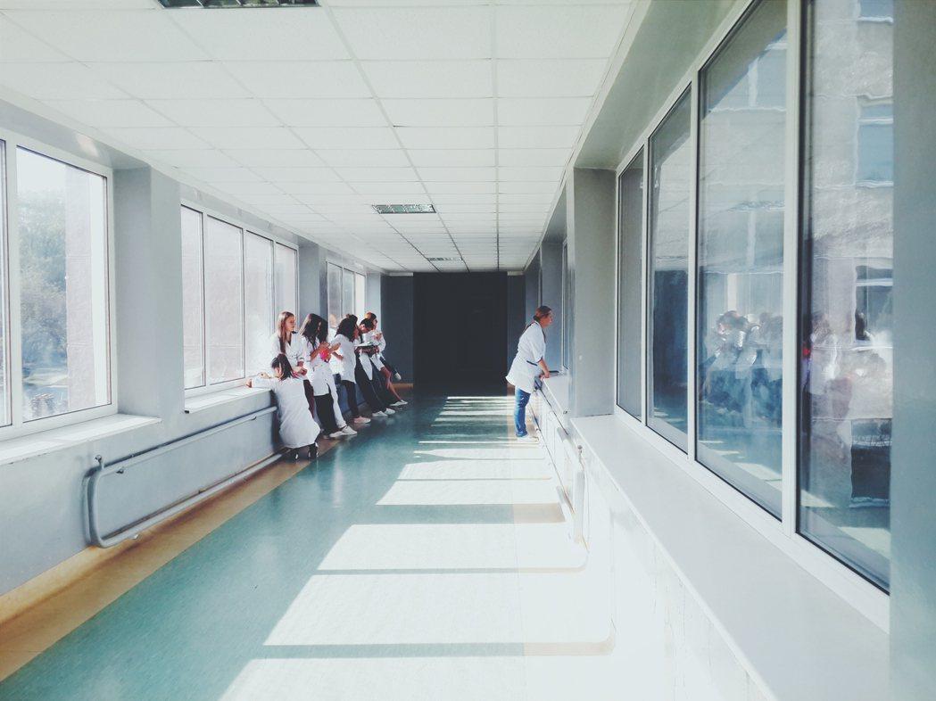衛生福利部醫事司明天將討論是否採行「無心跳器捐」。專家說,若可納入「無心跳器捐」...
