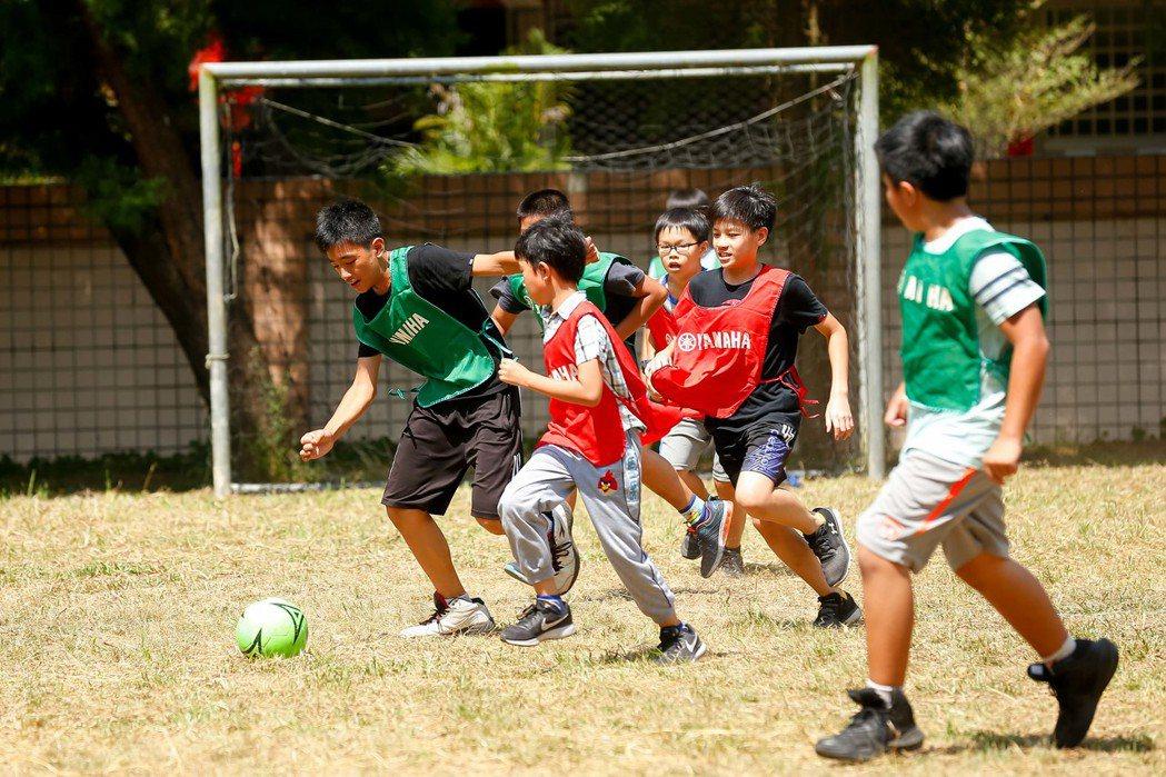 第九屆YAMAHA CUP足球校園巡迴活動來到南投愛蘭國小。圖/台灣山葉提供