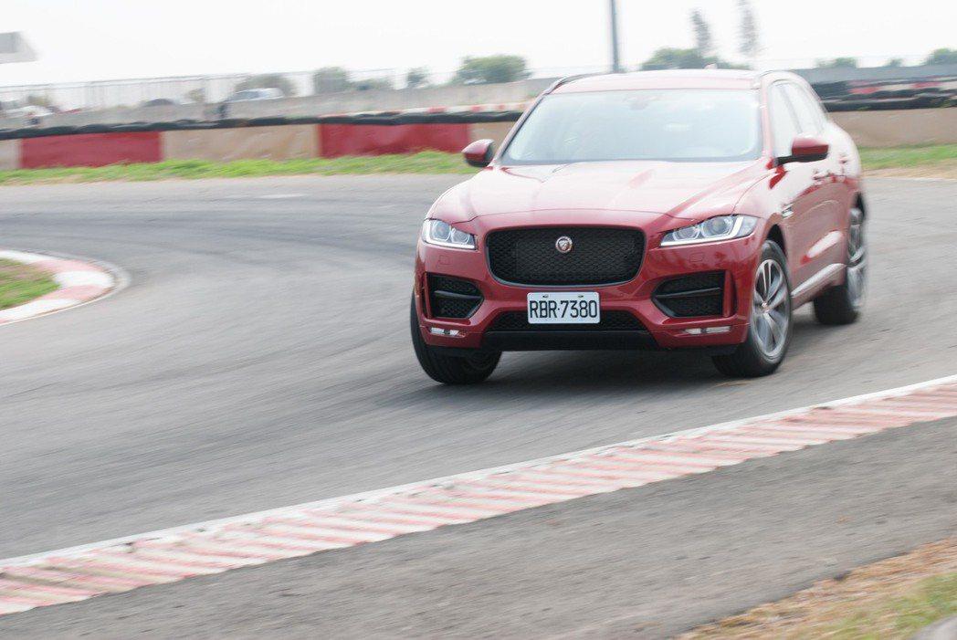 Jaguar F-Pace R-Sport 25t RWD。記者林昱丞/攝影