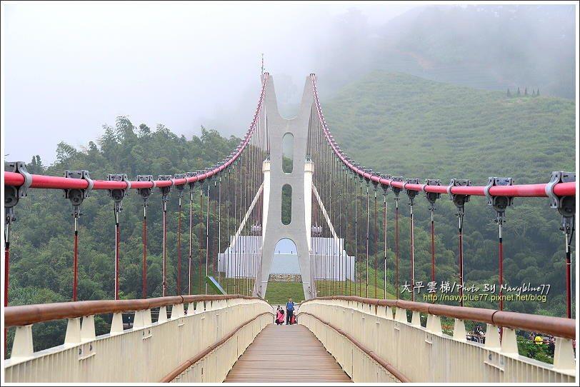 ↑太平雲梯的東側橋塔高22.8公尺,立在一座小山頭,成為太平的新地標。